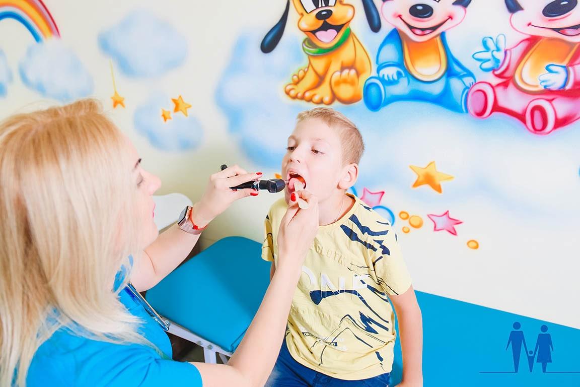 Детский врач педиатр Киев частная клиника Евмакс-min